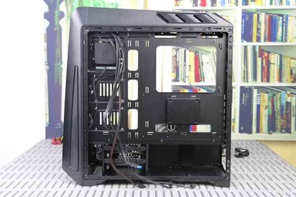 电脑机箱走背线步骤