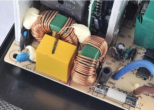 二级emi滤波电路通常在电源的主pcb板上