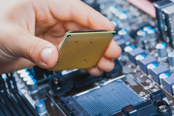 """组装电脑选购CPU买散片还是盒装"""""""