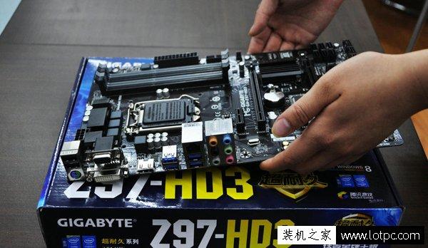 电脑组装教程之裸机点亮 再将DIY硬件装入主机箱