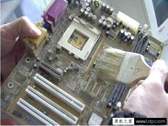 台式电脑无法开机怎么办?电脑开机后屏幕黑屏没反应无信号解决方法