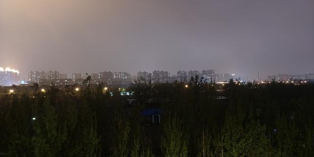 手机拍照技巧:教你如何使用手机的专业模式来拍摄纯净的夜景