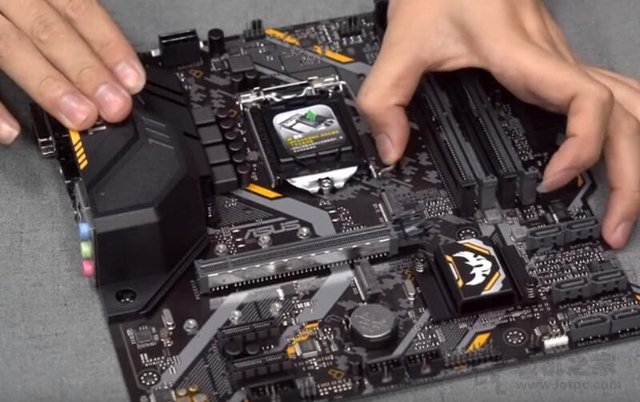 组装电脑需要哪些配件?电脑组装教程之全程指导新手装机图解!