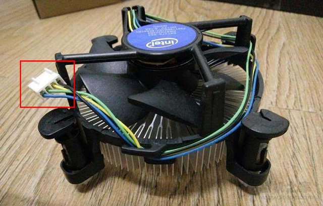 对应CPU散热器风扇供电接口