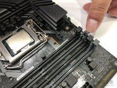 台式电脑内存条怎么装上去?台式机内存安装图解方法教程(双通道)